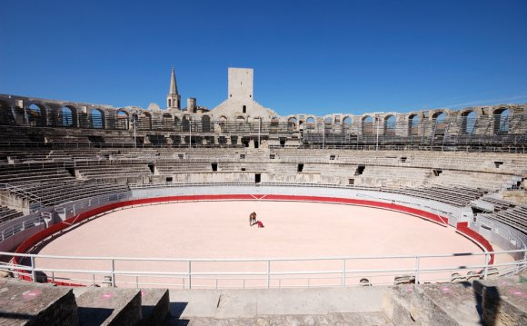 Arles-roman-monuments-2