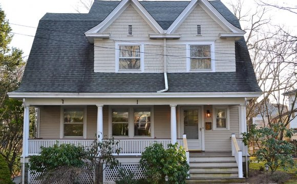 Dutch Colonial House Before