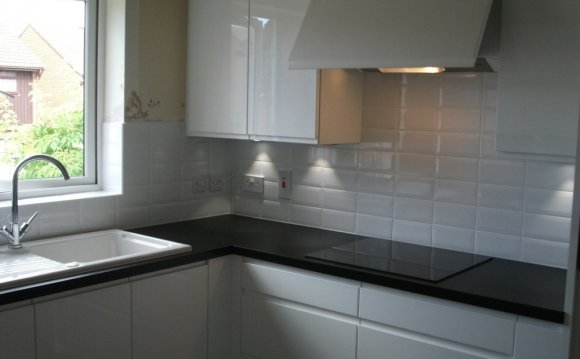 Kitchen Fitter, Electrician