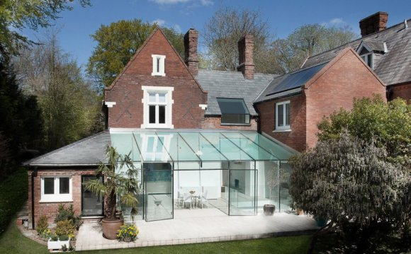 Old house gets an all-glass