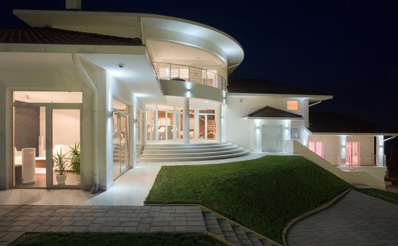 Modern roman architecture