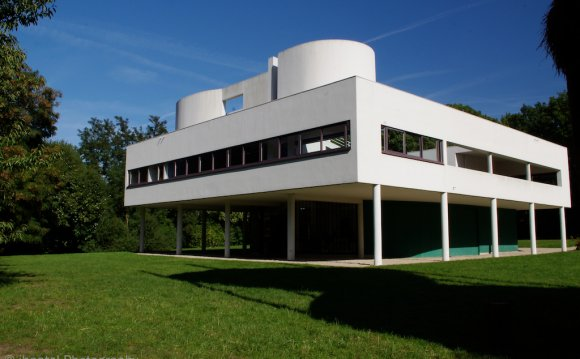 Villa Savoye: A Visit to Le