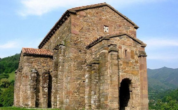 Asturian Church: Sta Cristina