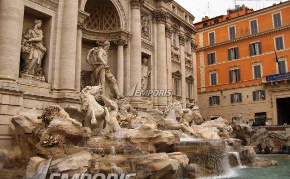 Exterior-the-famous-fontana-di