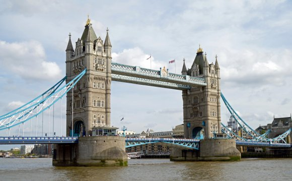 Famous buildings in the UK