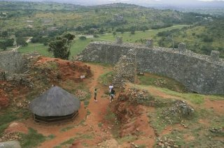 Great Zimbabwe: portion of Great Zimbabwe complex [Credit: © G. Sioen—IGDA/DeA Picture Library]