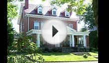 Colonial Revival style home